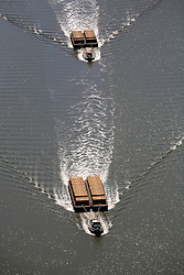 UK ENGLAND LONDON 22JUL08 - Tugs pull barges along the river Thames in London...jre/Photo by Jiri Rezac..© Jiri Rezac 2008..Contact: +44 (0) 7050 110 417.Mobile:  +44 (0) 7801 337 683.Office:  +44 (0) 20 8968 9635..Email:   jiri@jirirezac.com.Web:    www.jirirezac.com..© All images Jiri Rezac 2008 - All rights reserved.