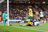 Marco Stiepermann of Norwich goes close but Scott Carson of Derby County just manages to stop the ball going over the line during the Sky Bet Championship match at Carrow Road, Norwich<br /> Picture by Paul Chesterton/Focus Images Ltd +44 7904 640267<br /> 28/10/2017