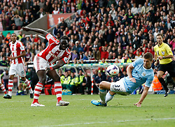 Stoke City's Kenwyne Jones goes close to goal - Photo mandatory by-line: Matt Bunn/JMP - Tel: Mobile: 07966 386802 14/09/2013 - SPORT - FOOTBALL -  Britannia Stadium - Stoke-On-Trent - Stoke City V Manchester City - Barclays Premier League