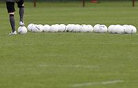 FUSSBALL     1. BUNDESLIGA     SAISON 2007/2008    Training SV Werder Bremen mit Praktikant Lothar Matthaeus am 16.04.3008 Symbolbild Fussball