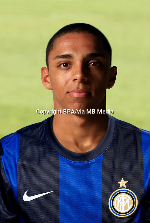 Wallace Oliveira dos Santos ( Inter)