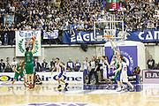 DESCRIZIONE : Desio Campionato Lega A 2011-12 Bennet Cantu Montepaschi Siena<br /> GIOCATORE : Nikolaos Zisis ultimo tiro sbagliato<br /> CATEGORIA : Tiro Three Points<br /> SQUADRA : Montepaschi Siena<br /> EVENTO : Campionato Lega A 2011-2012<br /> GARA : Bennet Cantu Montepaschi Siena<br /> DATA : 12/04/2012<br /> SPORT : Pallacanestro<br /> AUTORE : Agenzia Ciamillo-Castoria/G.Cottini<br /> Galleria : Lega Basket A 2011-2012<br /> Fotonotizia : Desio Campionato Lega A 2011-12 Bennet Cantu Montepaschi Siena<br /> Predefinita :