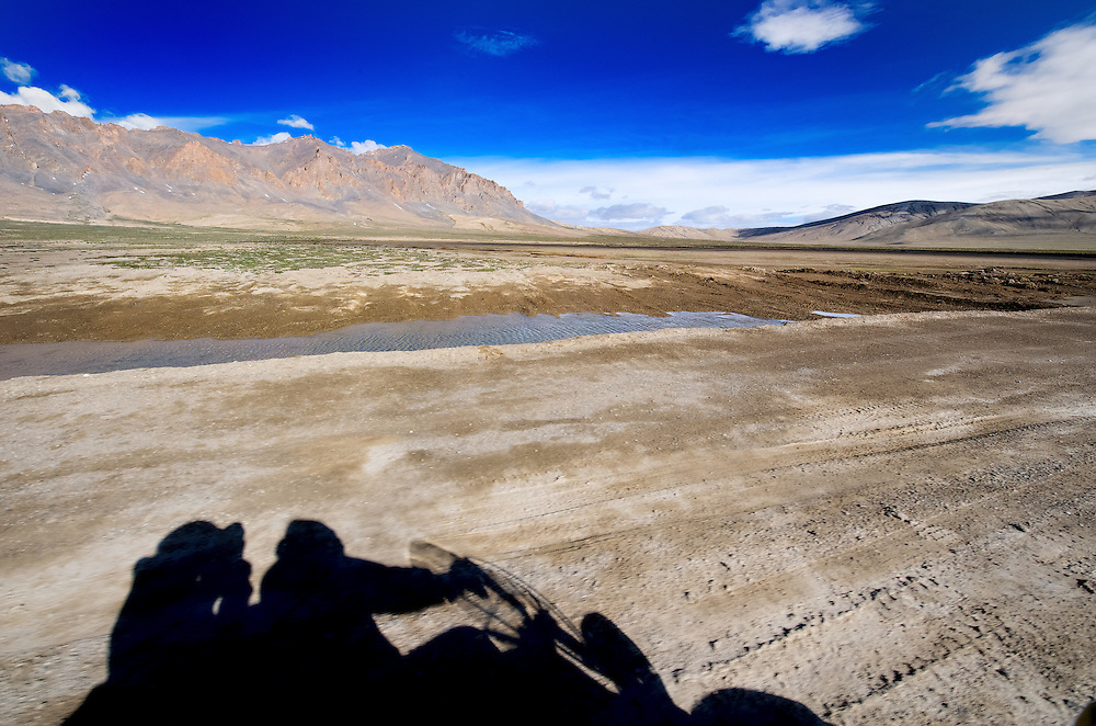 Two bikers crossing the More Plains on way to Ladakh from Pang.<br />