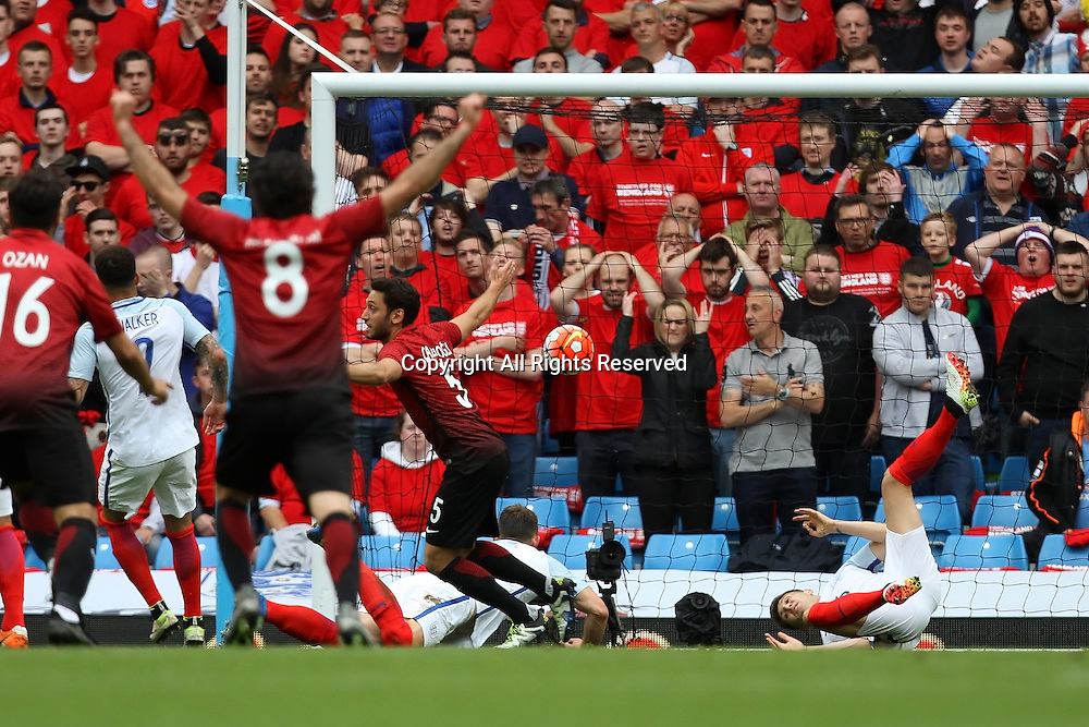 22.05.2016. Etihad Stadium, Manchester, England. International football friendly match, England versus Turkey. Hasan Calhanoglu of Turkey scores to make the score 1-1.