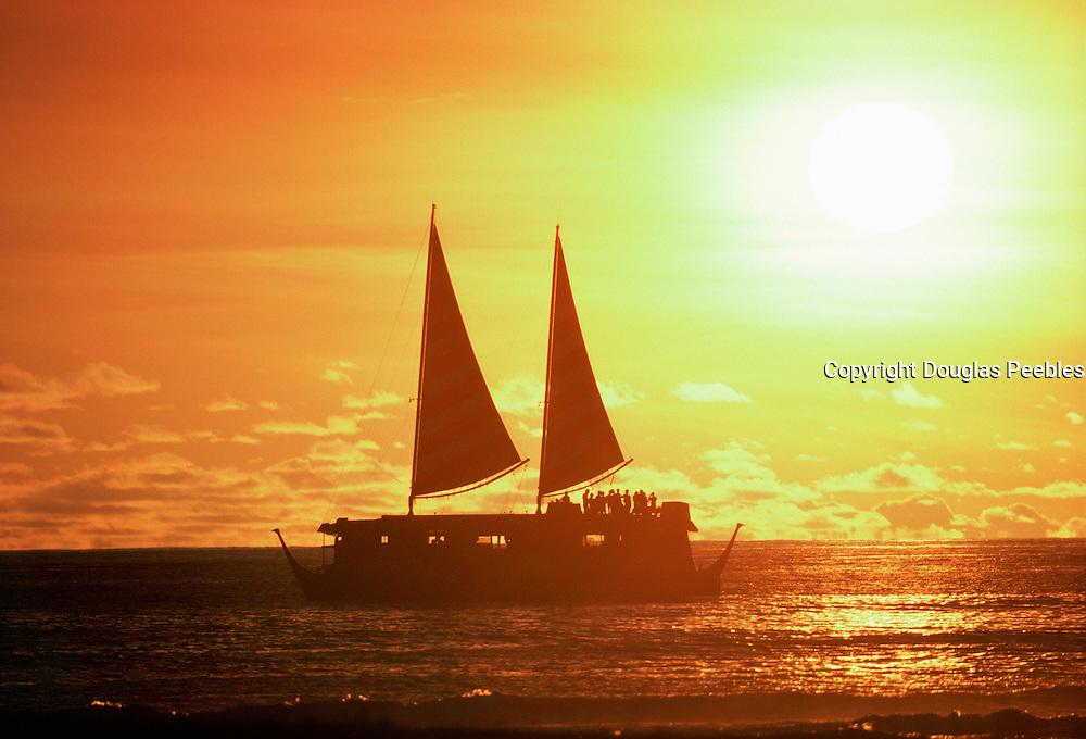 Sunset, Waikiki, Hawaii<br />