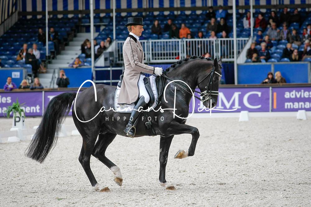 Gal Edward (NED) - Moorlands Totilas<br /> Nederlands Kampioenschap Dressuur - De Steeg 2009<br /> Photo &copy; Dirk Caremans