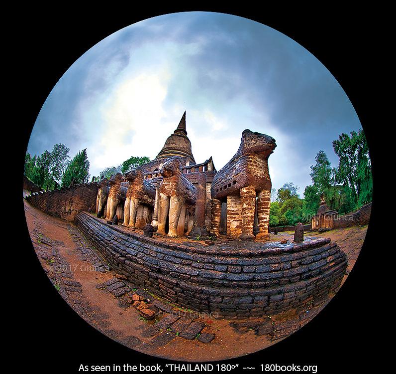Wat Chang Lom, Si Satchanalai,Sukhothai, Thailand