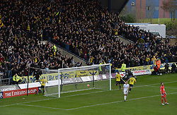 Kemar Roofe of Oxford United celebrates his goal as the oxford crowd celebrate to. - Mandatory byline: Alex James/JMP - 10/01/2016 - FOOTBALL - Kassam Stadium - Oxford, England - Oxford United v Swansea City - FA Cup Third Round