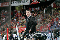 09.04.2010, TUI Arena, GER, DEL, Hannover Scorpions vs ERC Ingolstadt, Play Off, im Bild Greg Thomson (Trainer Ingolstadt)  EXPA Pictures © 2010, PhotoCredit: EXPA/ nph/  Schrader / SPORTIDA PHOTO AGENCY