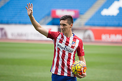 05.01.2016, Estadio Vicente Calderon, Madrid, ESP, Primera Division, Atletico Madrid, Spieler Neuzugang, im Bild Argentinian football player Matias Kranevitter // during his official presentation as a new player of the Spanish Primera Division Club Atletico de Madrid at the Estadio Vicente Calderon in Madrid, Spain on 2016/01/05. EXPA Pictures © 2016, PhotoCredit: EXPA/ Alterphotos/ Victor Blanco<br /> <br /> *****ATTENTION - OUT of ESP, SUI*****