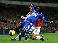 Photo: Tom Dulat/Sportsbeat Images.<br /> <br /> Arsenal v Chelsea. The FA Barclays Premiership. 16/12/2007.<br /> <br /> Tomas Rosicky of Arsenal and Shaun Wright-Phillips of Chelsea with the ball.