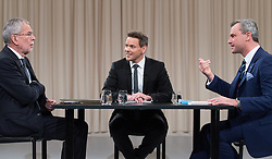"27.11.2016, ATV Studio, Wien, AUT, ATV Diskussion ""Meine Wahl - Das Duell"" anlässlich der Präsidentschaftswahl 2016, im Bild v.l.n.r. Präsidentschaftskandidat Alexander Van der Bellen, Moderator Martin Thür und FPÖ-Präsidentschaftskandidat Norbert Hofer // f.l.t.r. Candidate for Presidential Elections Alexander Van der Bellen, TV-host Martin Thuer and Candidate for Presidential Elections Norbert Hofer (Austrian Freedom Party) before television confrontation beetwen top candidates for the austrian presidential elections in Vienna, Austria on 2016/11/27, EXPA Pictures © 2016, PhotoCredit: EXPA/ Michael Gruber"