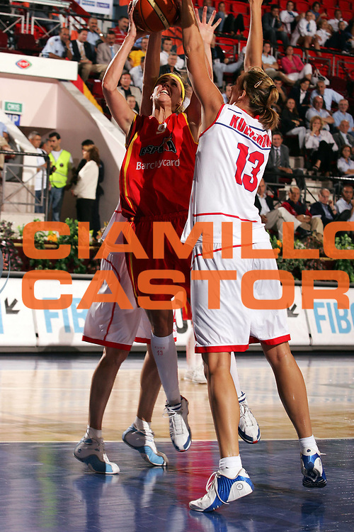 DESCRIZIONE : Ankara Eurobasket Women 2005 Spagna-Repubblica Ceca<br /> GIOCATORE : Valdemoro<br /> SQUADRA : Spagna Spain<br /> EVENTO : Eurobasket Women 2005 Campionati Europei Donne 2005<br /> GARA : Spagna Repubblica Ceca Spain Czech Republic<br /> DATA : 10/09/2005<br /> CATEGORIA :<br /> SPORT : Pallacanestro<br /> AUTORE : Ciamillo&amp;Castoria/Fiba Europe