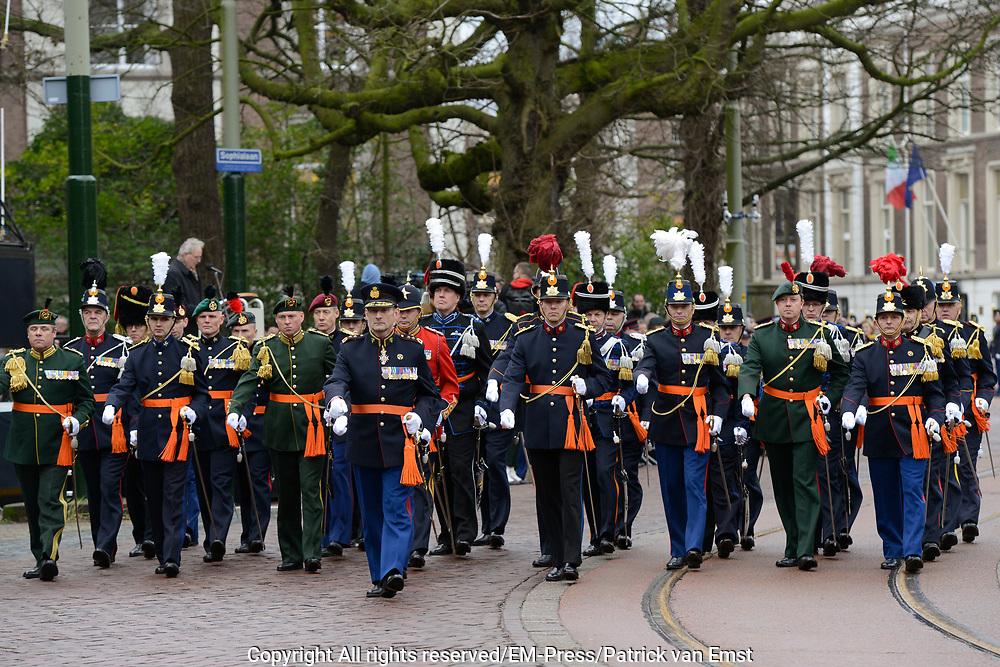 In Den Haag, op Plein 1813 vindt een vaandelgroet plaats van de Koninklijke Landmacht aan Koning Willem-Alexander. De vaandelgroet is tevens de aftrap van het 200-jarig jubileum van de Koninklijke Landmacht. <br /> <br /> In The Hague, on Plein 1813 a banner greeting takes place from the Royal Army of King Willem-Alexander. The standard greeting is also the kickoff of the 200th anniversary of the Royal Army.<br /> <br /> Op de foto / On the Photo:  Militairen tijdens de viering / Soldiers during the celebration