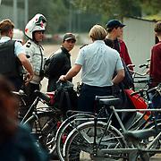 Arrestatie Meentweg Bussum van jongen met vermeend wapen