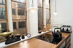 Foton av Mark Larner. Bild visar køket.