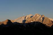 MONTAGNA ,La  Marmolada, La Regina delle Dolomiti, PARTE DEL PATRIMONIO  DELL'UNESCO, Valle di Fassa  25-06-2010 © Foto Daniele Mosna