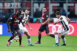22.10.2016, Stadio Giuseppe Meazza, Mailand, ITA, Serie A, AC Milan vs Juventus Turin, 9. Runde, im Bild Andrea Barzagli // Andrea Barzagli during the Italian Serie A 9th round match between AC Milan and Juventus Turin at the Stadio Giuseppe Meazza in Mailand, Italy on 2016/10/22. EXPA Pictures © 2016, PhotoCredit: EXPA/ laPresse/ Daniele Badolato<br /> <br /> *****ATTENTION - for AUT, SUI, CRO, SLO only*****