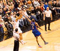76ers vs the New York Knicks  Philadelphia's Wachovia Spectrum