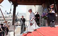 Nederland. Den Haag, 21 september2010.<br /> Koningin Beatrix en kroonprins Wilem-Alexander verlaten de Ridderzaal.<br /> Prinsjesdag, gouden koets, opening parlementaire jaar, politiek, binnenhof, democratie, monarchie<br /> Foto Martijn Beekman