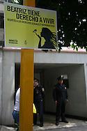 AmnistÌa Internacional y la Alianza Nacional por el Derecho a Decidir, protestan frete a la embajada de El Salvador en la Ciudad de Mexico Miercoles May 29,2013 en la que solicitan, que Beatriz, mujer de 22 anos quien ha solicitado  un amparo en la Corte Suprema para que se pueda realizar un aborto padecer lupus salvaguardar su vida e integridad. Este dia la Corte denego el recurso. Photo: SANTIAGO SALMERON/Imagenes Libres.