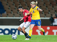 Ingvild Stensland, Victoria Svensson, QF, Sweden-Norway, Women's EURO 2009 in Finland, 09042009, Helsinki Football Stadium