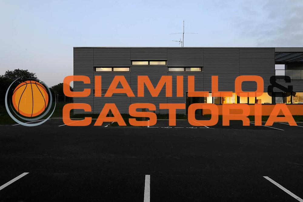 ESCRIZIONE : CEI PLEUMELEUC <br /> GIOCATORE :<br /> SQUADRA : Architecte Dominique Bonnot<br /> EVENTO : Architecture Exterieur Nuit<br /> GARA : <br /> DATA : 7/11/2012<br /> CATEGORIA : <br /> SPORT : <br /> AUTORE : JF Molliere<br /> Galleria : France Architecture 2012 <br /> Fotonotizia :  CEI PLEUMELEUC  Dominique Bonnot<br /> Predefinita :
