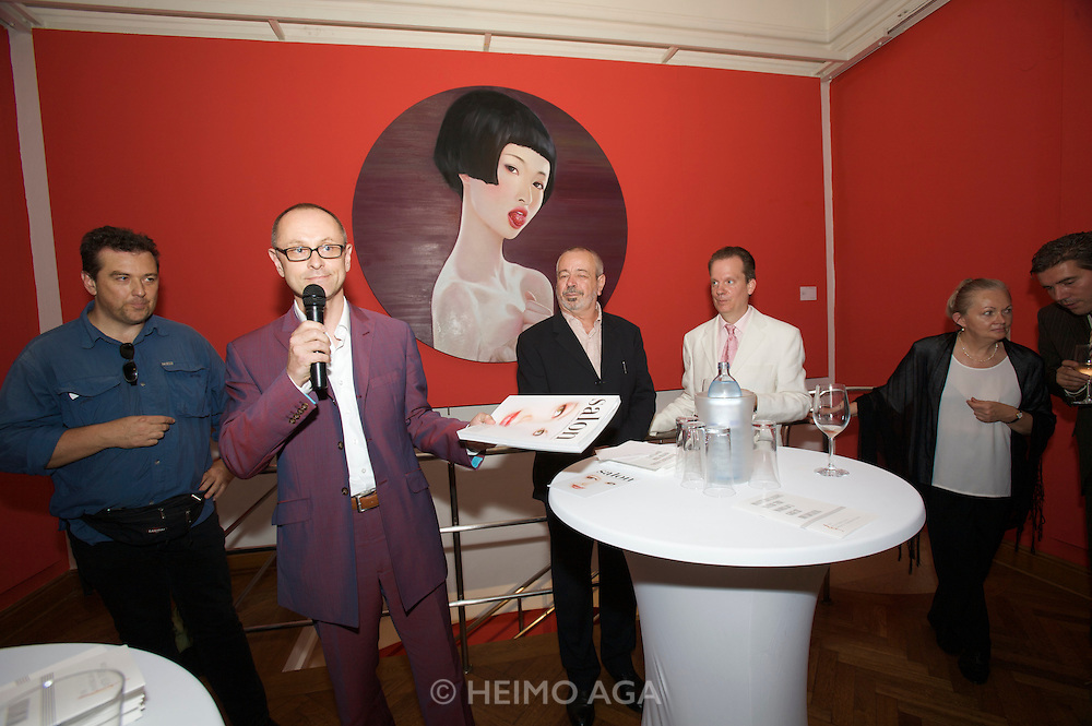 Presentation of Salon 2008 magazine at Rudolf Budja Galerie. From l.: Heimo Aga (Director of Photography), Thomas Manss (Art Director), Derek Weber (Editor-in-chief), Dr. Bodo Polzer (Editor), Elke Polzer.