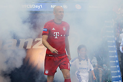 11.07.2015, Alianz Arena, Muenchen, GER, 1. FBL, FC Bayern Muenchen, Teampräsentation, im Bild Arjen Robben #10 (FC Bayern Muenchen) kommt in die Arena // during the Teampresentation of German Bundesliga Club FC Bayern Munich at the Alianz Arena in Muenchen, Germany on 2015/07/11. EXPA Pictures © 2015, PhotoCredit: EXPA/ Eibner-Pressefoto/ Kolbert<br /> <br /> *****ATTENTION - OUT of GER*****