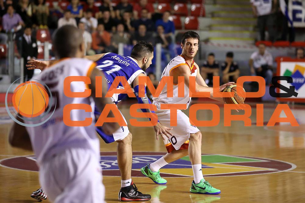 DESCRIZIONE : Roma Lega A 2012-2013 Acea Roma Lenovo Cant&ugrave; playoff semifinale gara 1<br /> GIOCATORE : Lorenzo D'Ercole<br /> CATEGORIA : palleggio<br /> SQUADRA :  Acea Roma<br /> EVENTO : Campionato Lega A 2012-2013 playoff semifinale gara 1<br /> GARA : Acea Roma Lenovo Cant&ugrave;<br /> DATA : 24/05/2013<br /> SPORT : Pallacanestro <br /> AUTORE : Agenzia Ciamillo-Castoria/ElioCastoria<br /> Galleria : Lega Basket A 2012-2013  <br /> Fotonotizia : Roma Lega A 2012-2013 Acea Roma Lenovo Cant&ugrave; playoff semifinale gara 1<br /> Predefinita :