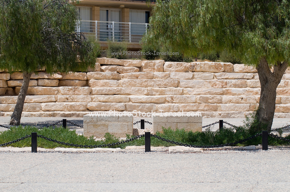 Israel, Negev, Kibbutz Sde Boker, the grave of David (left) and Pola (right) Ben Gurion. The Ben Gurion Heritage Institute in the background July 2008