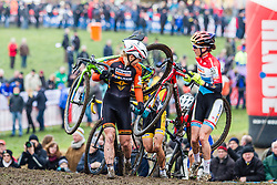 Sanne van Paassen (NED) & Christine Majerus (LUX), Women, Cyclo-cross World Cup Hoogerheide, The Netherlands, 25 January 2015, Photo by Thomas van Bracht / PelotonPhotos.com