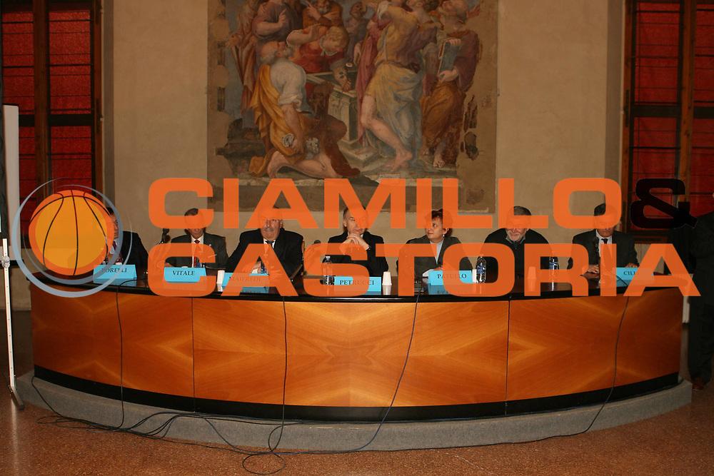DESCRIZIONE : Bologna Palazzo Accursio Presentazione FIP Hall of Fame<br />GIOCATORE : Porelli Vitale Maifredi Petrucci Patullo Cofferati Cilli<br />SQUADRA : FIP Federazione Italiana Pallacanestro<br />EVENTO : Bologna Palazzo Accursio Presentazione FIP Hall of Fame<br />GARA : <br />DATA : 11/02/2007<br />CATEGORIA : Ritratto<br />SPORT : Pallacanestro <br />AUTORE : Agenzia Ciamillo-Castoria/G.Ciamillo