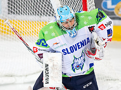 12.02.2016, Olympiaworld, Innsbruck, AUT, Euro Ice Hockey Challenge, Slowenien vs Frankreich, im Bild Robert Kristian (SLO) // Robert Kristian of Slowenia during the Euro Icehockey Challenge Match between Slovenia and France at the Olympiaworld in Innsbruck, Austria on 2016/02/12. EXPA Pictures © 2016, PhotoCredit: EXPA/ Jakob Gruber
