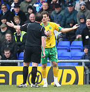 Oldham - Saturday February 26th, 2010 :  Chris Martin of Norwich argues with the ref during the Coca Cola League One match at Boundary Park, Oldham. (Pic by Paul Chesterton/Focus Images)..
