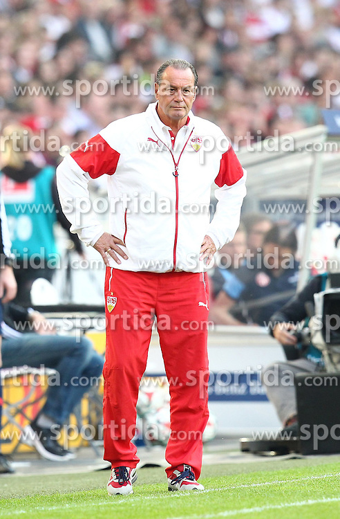 09.05.2015, Mercedes Benz Arena, Stuttgart, GER, 1. FBL, VfB Stuttgart vs 1. FSV Mainz 05, 32. Runde, im Bild Trainer Huub Stevens ( VfB Stuttgart ) sauer // during the German Bundesliga 32th round match between VfB Stuttgart and 1. FSV Mainz 05 at the Mercedes Benz Arena in Stuttgart, Germany on 2015/05/09. EXPA Pictures &copy; 2015, PhotoCredit: EXPA/ Eibner-Pressefoto/ Langer<br /> <br /> *****ATTENTION - OUT of GER*****