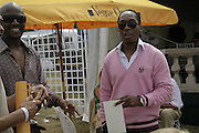 Baron Brown and Lamar, Veuve Clicquot Gold Cup 2006. Final day. 23 July 2006. ONE TIME USE ONLY - DO NOT ARCHIVE  © Copyright Photograph by Dafydd Jones 66 Stockwell Park Rd. London SW9 0DA Tel 020 7733 0108 www.dafjones.com
