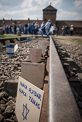 "12.04.2018, Konzentrationslager Auschwitz, Oswiecim, POL, ""March of the living"" am Weg aus dem ehemaligen deutschen Nazi-Todeslager Auschwitz I nach Auschwitz II - Birkenau, im Bild Schilder auf den Gleisen// during the 'March of the Living' from the former German Nazi death camp Auschwitz I to Auschwitz II - Birkenau at the concentration camp in Oswiecim, Poland on 2018/04/12. EXPA Pictures © 2018, PhotoCredit: EXPA/ Florian Schroetter"
