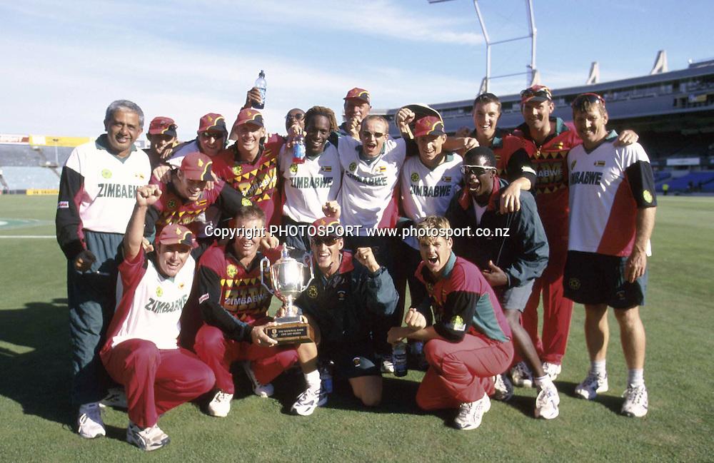 Zimbabwe celebrate the series win, Zimbabwe v New Zealand,ODI cricket, Eden Park, Auckland. 7 January 2001. Photo: Andrew Cornaga/PHOTOSPORT