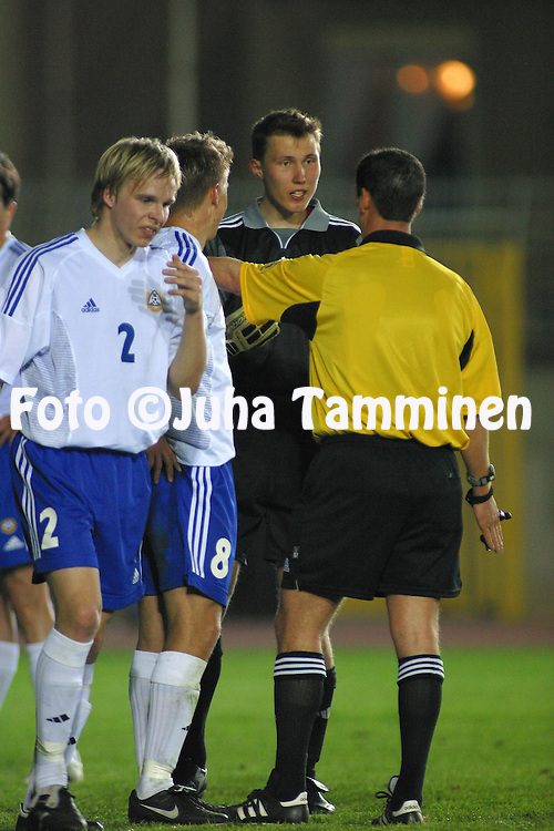 28.03.2003, Stadio Provinciale, Trapani, Italy..UEFA Under-21 Qualifying match, Italy v Finland..Goalkeeper Otto Fredrikson (Finland U-21) protests a penalty decision..©Juha Tamminen