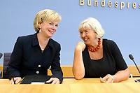 09 JUL 2003, BERLIN/GERMANY:<br /> Liz Mohn (L), Mitglied d. Praesidiums Bertelsmann Stiftung, und Renate Schmidt (R), SPD, Bundesfamilienministerin,  waehrend einer Pressekonferenz ueber die Kooperation von Politik und Wirtschaft zur Balance von Familie und Arbeit, Bundespressekonferenz,<br /> IMAGE: 20030709-02-023