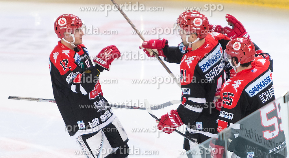 28.12.2015, Tiroler Wasserkraft Arena, Innsbruck, AUT, EBEL, HC TWK Innsbruck die Haie vs HDD TELEMACH Olimpija Ljubljana, 36. Runde, im Bild Torjubel HC TKW Innsbruck Die Haie nach dem Tor zum 2:2 durch Partick Moessmer (HC TWK Innsbruck Die Haie) // during the Erste Bank Icehockey League 36th round match between HC TWK Innsbruck  die Haie and HDD TELEMACH Olimpija Ljubljana at the Tiroler Wasserkraft Arena in Innsbruck, Austria on 2015/12/28. EXPA Pictures © 2015, PhotoCredit: EXPA/ Jakob Gruber