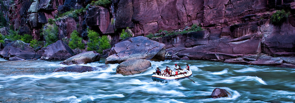 River rafters descend the Green River through Lodore Canyon, Colorado and Utah, USA.