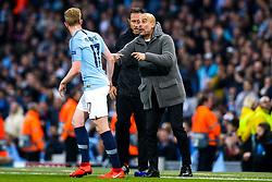 Manchester City manager Pep Guardiola speaks to Kevin De Bruyne of Manchester City - Mandatory by-line: Robbie Stephenson/JMP - 17/04/2019 - FOOTBALL - Etihad Stadium - Manchester, England - Manchester City v Tottenham Hotspur - UEFA Champions League Quarter Final 2nd Leg