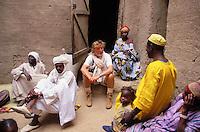 family in Djenne, Mali with Pierre Gagnaire - 2/2003.©Owen Franken