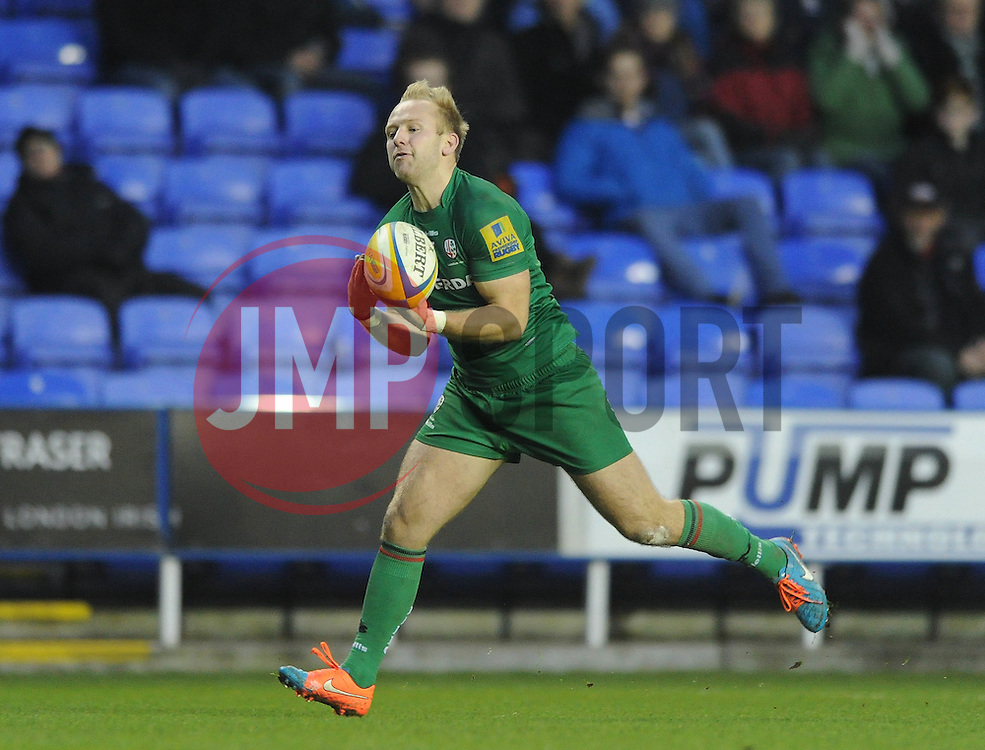 London Irish fly half, Shane Geraghty - Photo mandatory by-line: Dougie Allward/JMP - Mobile: 07966 386802 - 11/01/2015 - SPORT - RUGBY - Reading - Madejski Stadium - London Irish v Exeter Chiefs - Aviva Premiership