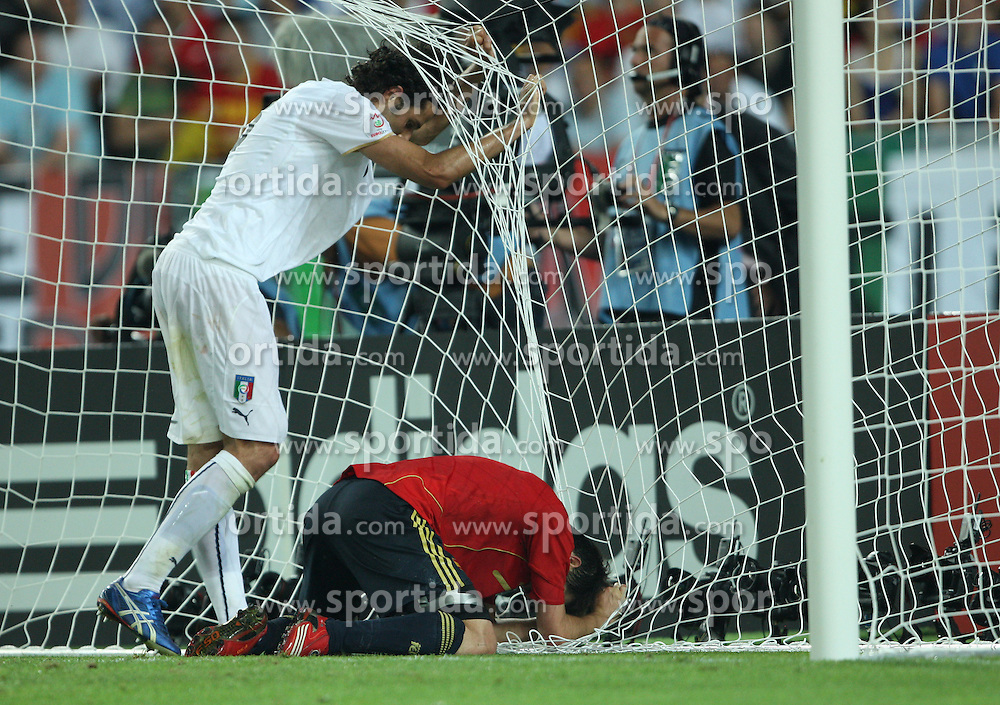 Fabio Grosso of Italy (3) and David Villa of Spain (7) in goal during the UEFA EURO 2008 Quarter-Final soccer match between Spain and Italy at Ernst-Happel Stadium, on June 22,2008, in Wien, Austria. Spain won after penalty shots 4:2. (Photo by Vid Ponikvar / Sportal Images)