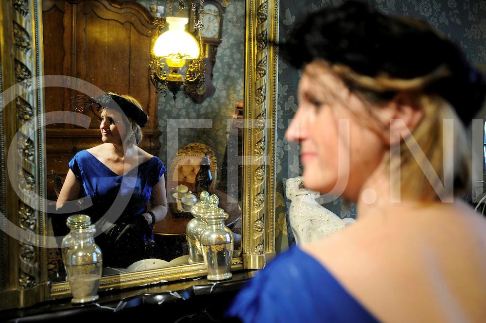 091014 hardenberg ned.Historische kleding wordt getoond.ffu press agency©2009frank uijlenbroek..
