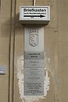 15 OCT 2003, BERLIN/GERMANY:<br /> Tuerschild Amtsgericht Berlin Mitte, Littenstrasse 12-17<br /> IMAGE: 20031015-02-003<br /> KEYWORDS: Schild, Sign, Türschild