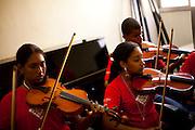 Vitoria _ ES, 15/06/07...Projeto Vale Musica, orquestra de musica que tem o apoio da CVRD...FOTO: LEO DRUMOND / AGENCIA NITRO